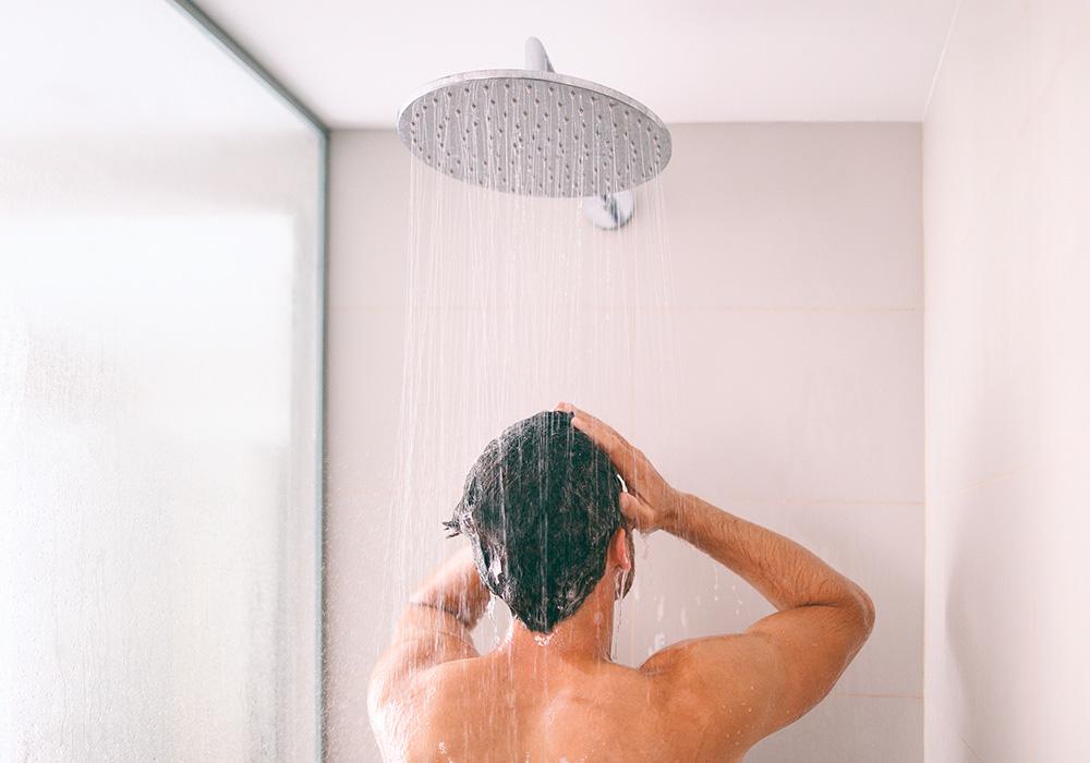 ducha con agua filtrada