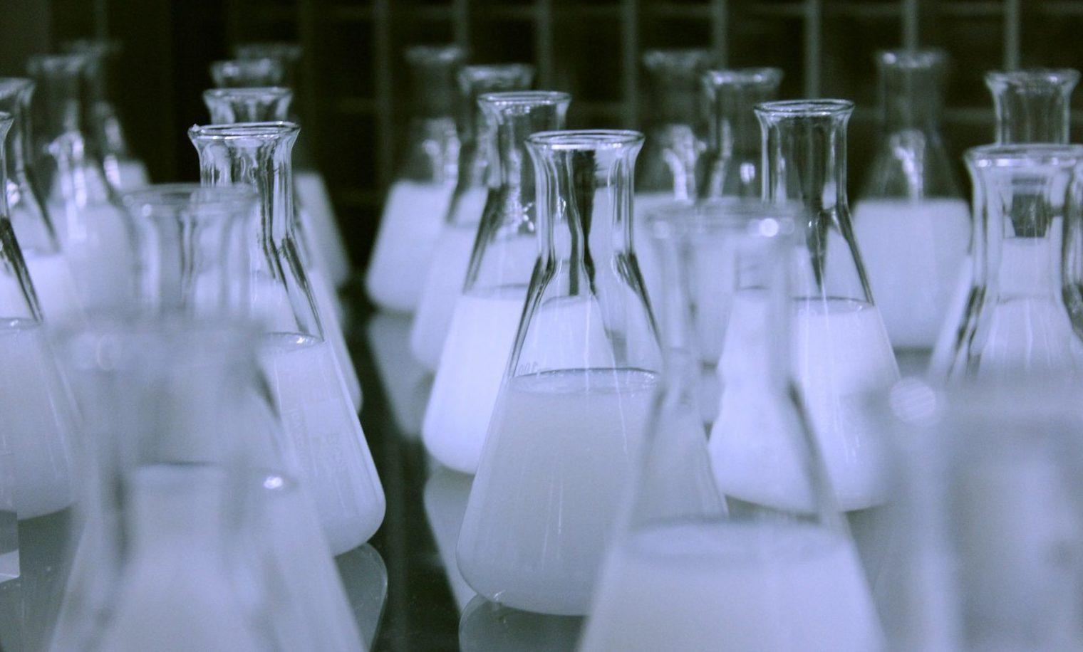 ¿Cómo eliminar el cloro y la cloramina del agua de grifo?