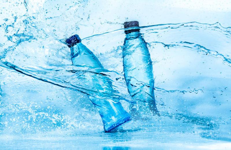 Acqua in bottiglia o acqua di rubinetto